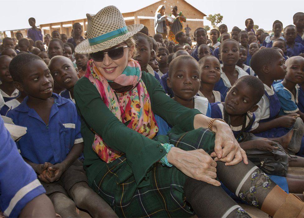 Madonna consiguió permiso para volver a adoptar