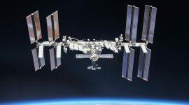 Sorprendente foto tomada a un avión desde la Estación Espacial Internacional